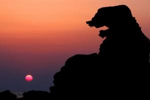 ゴジラ岩 夕日-2